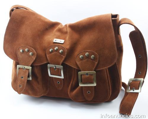 98dcfb4bf Venta de carteras y calzado por mayor y al detalle Calzados Bavel en ...