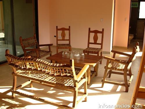 Muebles r sticos madera y cuero en mercedes p gina web for Web de muebles