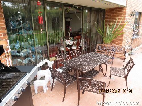 Fotos de muebles para jard n terrazas mesas y sillas en for Mesas y sillas de terraza y jardin