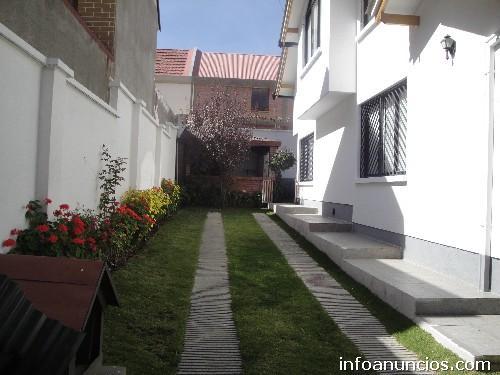 Fotos de hermosa casa en alquiler zona sur achumani la for Casas minimalistas la paz bolivia