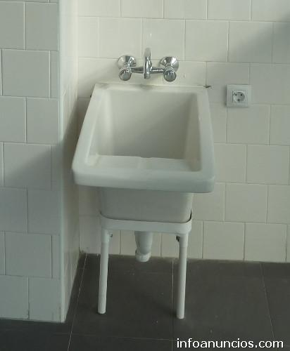 Pileta lavadero con grifer a en mairena del aljarafe for Pileta lavadero losa